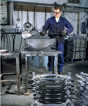 Aluminium Gravity Die Casting At The Wooburn Green Foundry.
